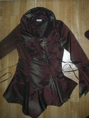 Продам костюм женский пр-во Италия